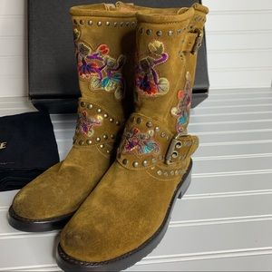 NWOT Frye suede Nat Flower Engineer Boots sz 6.5
